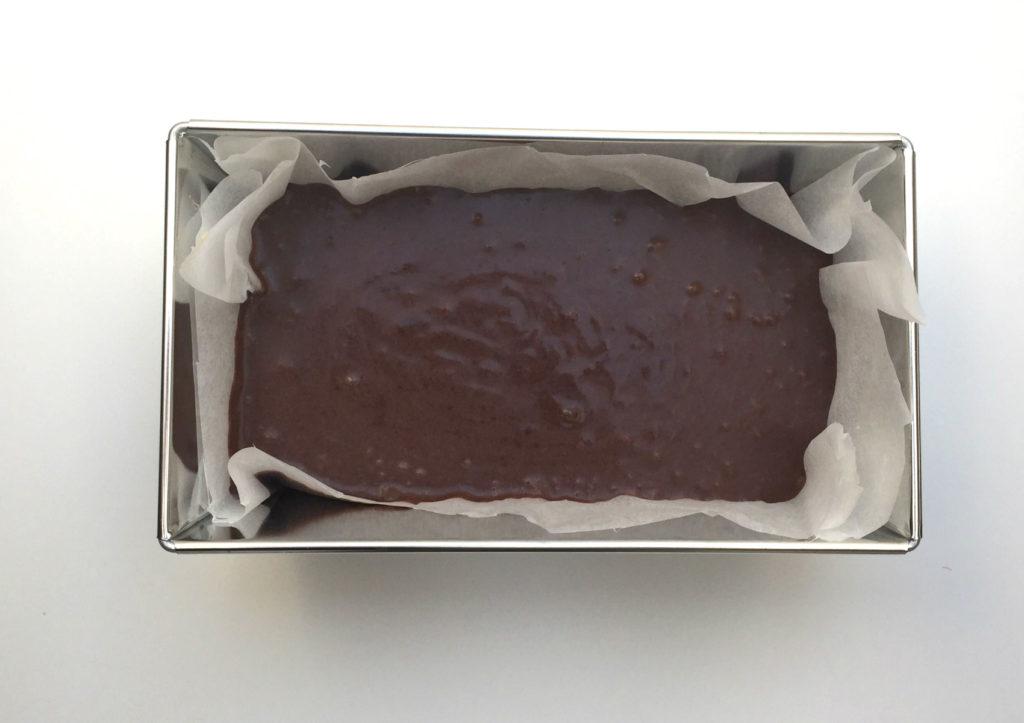 brownie z fasoli - etap 8 wlewamy do formy i pieczemy